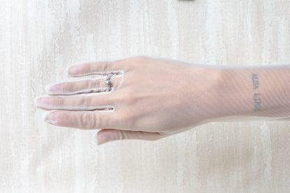 Anillo de pedida en plata con circonitas