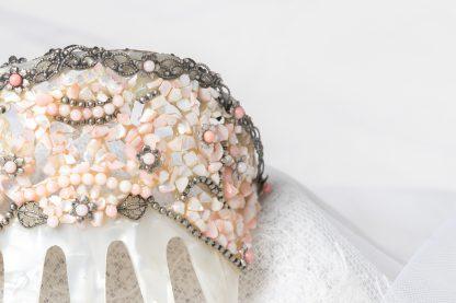 Peineta de novia en nacar y madre perla rosa