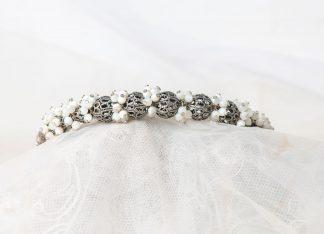 Tiara de nácar y cristal de Swarovski