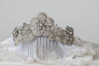 Peineta de plata con circonitas y perlas de agua dulce