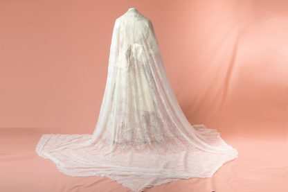 Velo de novia blanco reproduccion del siglo XIX
