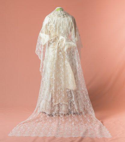 Mantilla de novia Ulmaria reproduccion del siglo XIX
