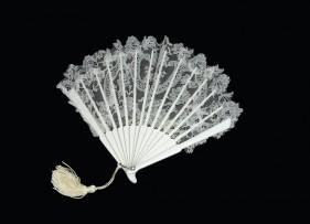abanico-calendula-encaje-blanco-novia-lopez-linares-1
