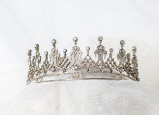 Tiara reproducción Liz Taylor en plata con circonitas