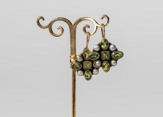 Pendientes de plata dorada con peridoto y perlas