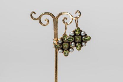 Pendientes Owen de plata dorada con peridoto y perlas