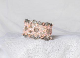 Pulsera en nácar rosa. Nacre bracelet