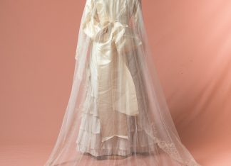 Velo de novia bordado a mano. Original antique lace wedding veil.