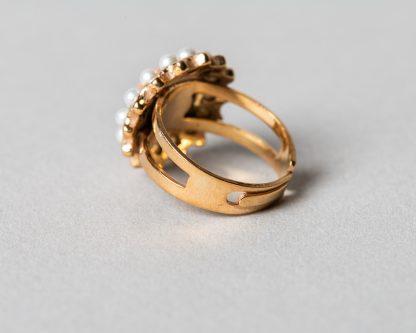 Anillo Adiel en plata dorada con perlas de agua dulce y coral