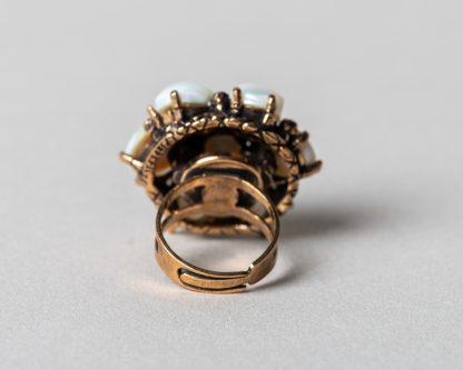 Anillo Lucila en plata dorada con perlas