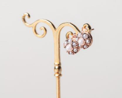 Pendientes Aplis perla. Realizados a mano son una reproduccion de una joya de la epoca Victoriana