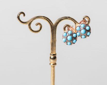 Pendientes Aplis turquesa. Realizados a mano son una reproduccion de una joya de la epoca Victoriana