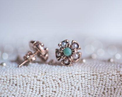 Pendientes Lorea esmeralda. Realizados a mano son una reproduccion de una joya de la epoca Victoriana